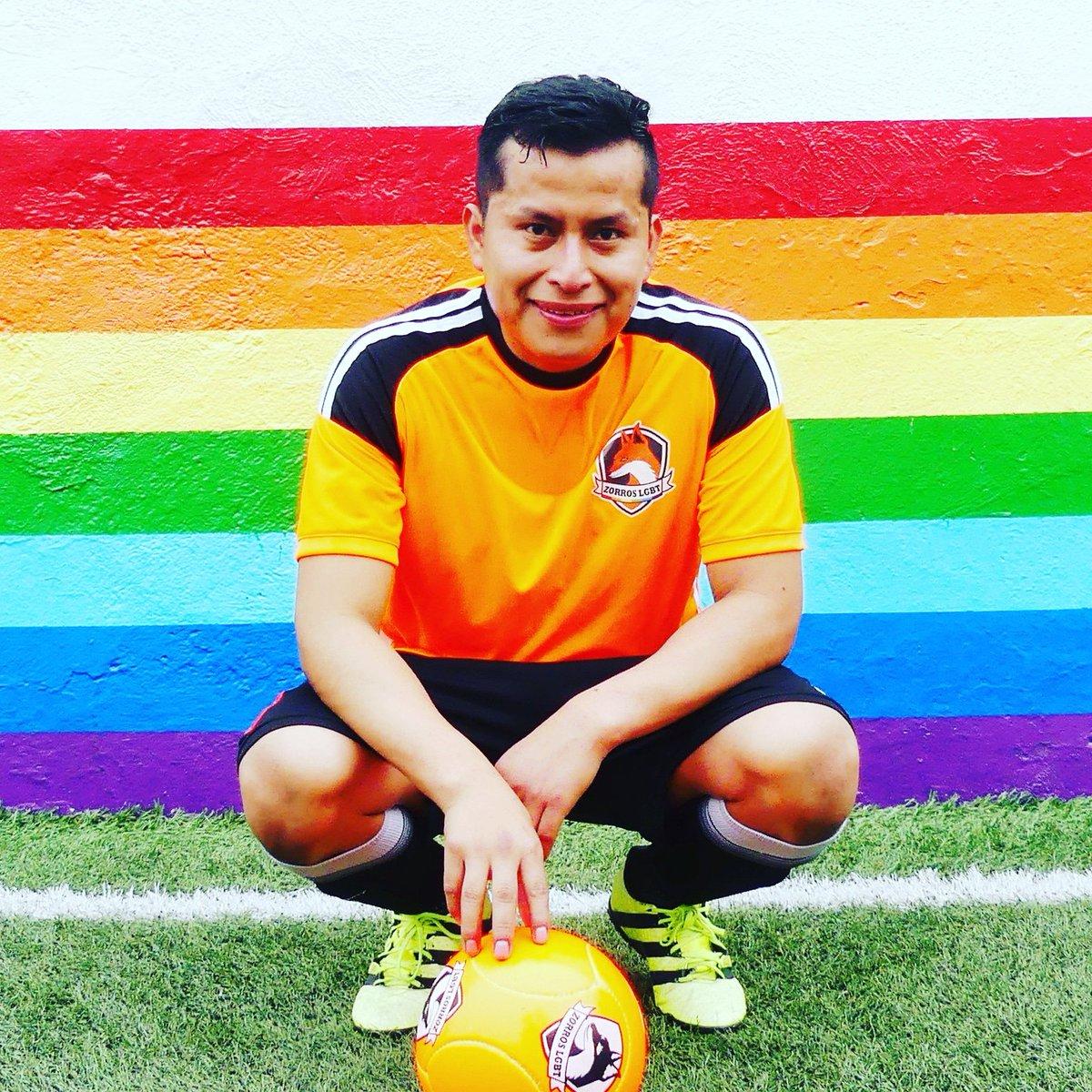 Juan Posición: Delantero / Defensa  Equipo: Zorros LGBT  #DeporteLGBT #LGBTSports #FutbolLGBT #ZorrosLGBT #OrgulloDeportivo #instagay #gaysports #gayfutbol #gayboy #futbolgaypic.twitter.com/IktRfAhk3n