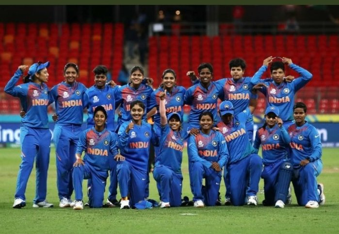 #iccwomenst20worldcup #INDvsAUS India stun defending champion Australia by 17 runs in #iccwomenst20worldcup opener<br>http://pic.twitter.com/bV11RFK78m