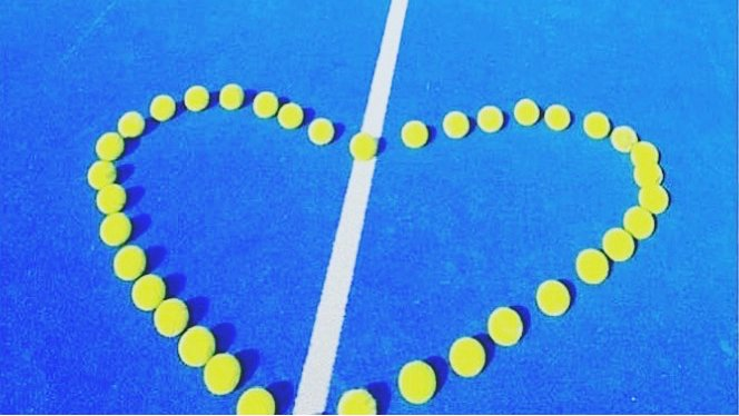 All you need is love...and padel! #padel #padeladdict #padelmania #padeltime #padelfemenino #pádel #padelfun #padelon #padeltennis #padelamateur #padelinstagram #padelpeople #padellovers #instapadel #valentineday #padelcourt #love #worldpadeltourpic.twitter.com/oBRmyStZPz