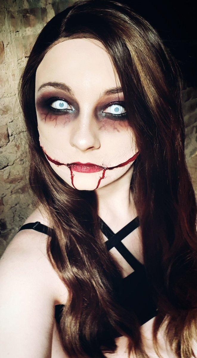 | just smile |  #horrormakeup #sfxmakeup #goremakeup #sfx #newbie #horror #makeup #sfxartist #makeupbymepic.twitter.com/PUItdeFSjy