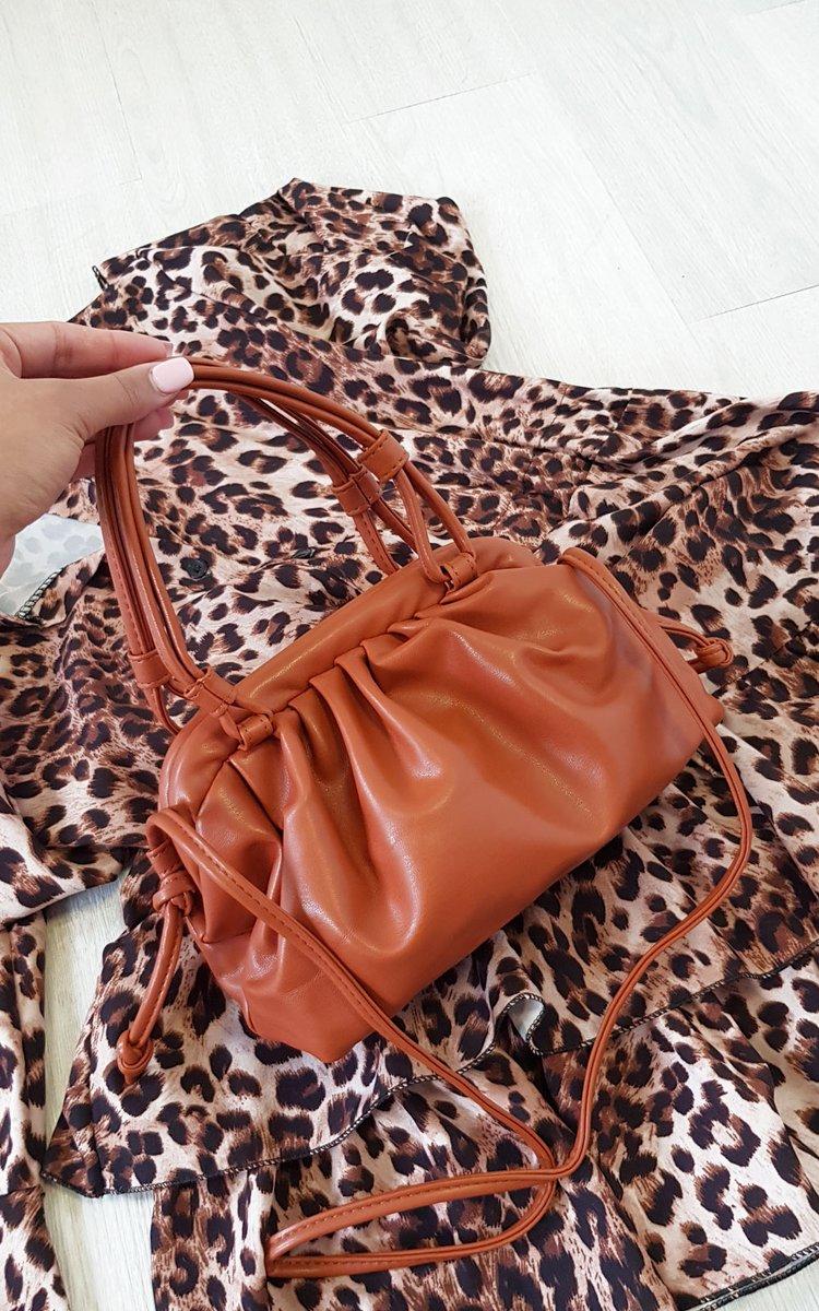 Image for New drop EMRATA handbag is to die for! ♥️Shop 👉🏻 https://t.co/jEUnhTNf9L https://t.co/VikjraEiU0