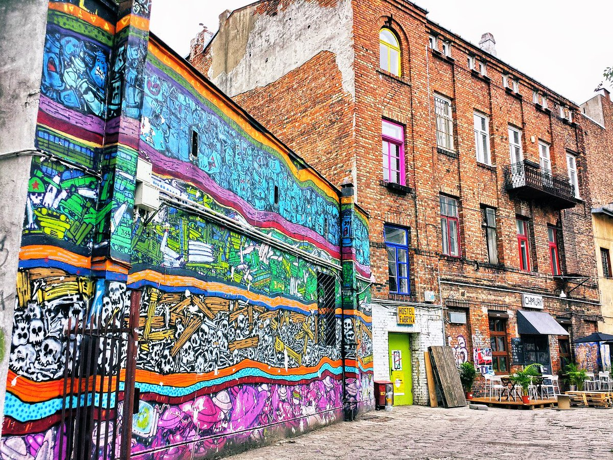 Lots of culture, art and #inspiration can be found in the trendy districts of #Warsaw #inspirational #culture #Kultur #arts #kunst #graffiti #szeneviertel #trendy #Warszawa #warschau #warsawcity #warsawlovers #warsawpoland #discoverwarsaw #go2warsaw #visitpolandpic.twitter.com/MNhpaD4Xei