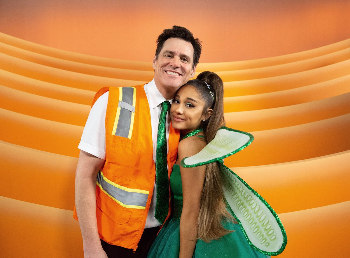 Hey! Check out 'Kidding' this Sunday. Super special appearance by the super special @ArianaGrande