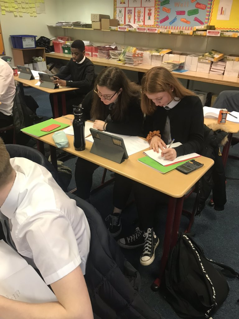 Fabulous attendance at our extra 2 hour supported study session tonight! Well done everyone! 👏Good luck to our S4 Nat 5 pupils who are sitting an end of course assessment on Monday! @StThomasAqSec