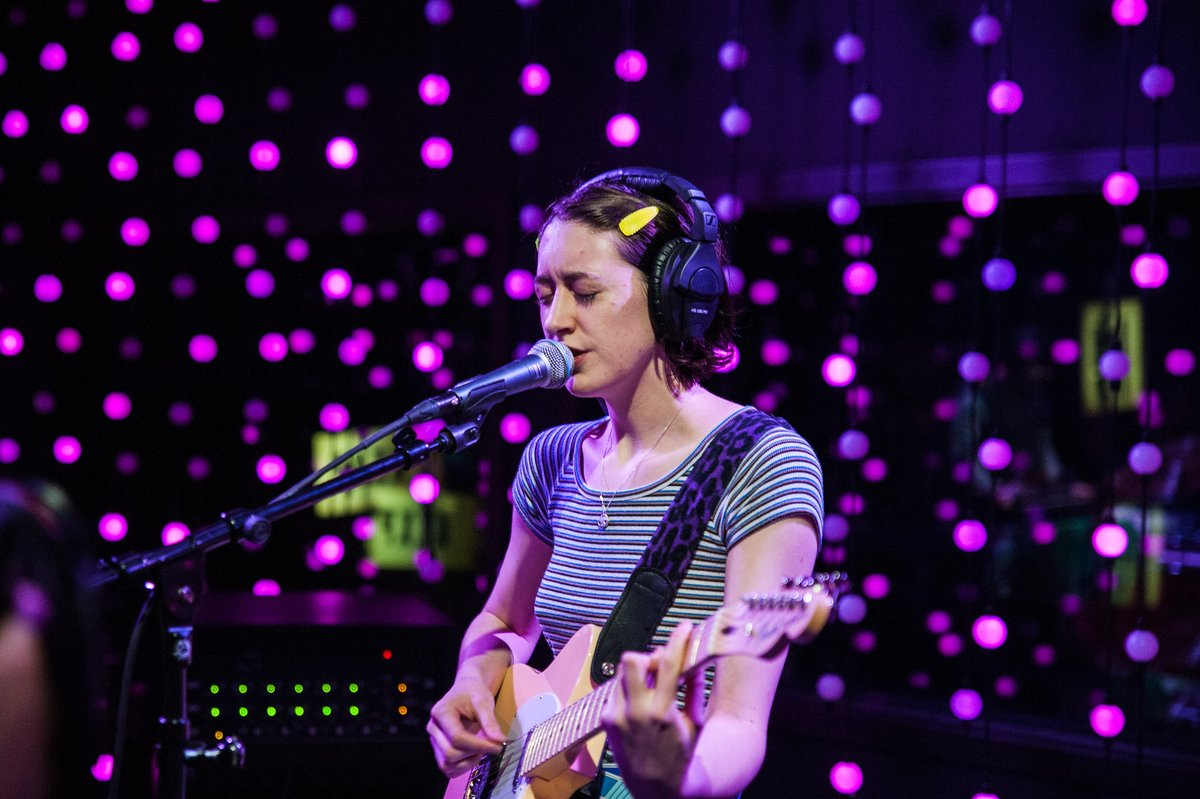New York's @frankiecosmos, led by songwriter Greta Kline, joined @thetroynelson in the KEXP studio for a phenomenal session in October. Watch the @subpop outfit play tracks from 'Close It Quietly' and chat with Troy about Kline's prolific songwriting: https://kexp.org/watch/frankie-cosmos/….