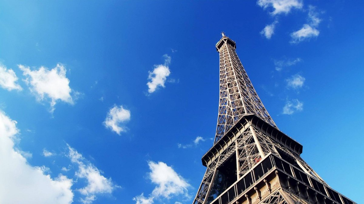 J'amie Paris  . . . #GroupHopTravel #GroupHop #travel #traveltogether #travelphotography #wonderlust #travelling #explorerpic.twitter.com/vThTFjJYM0