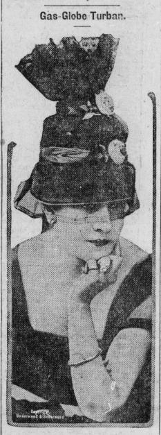 Friday night look inspiration (1916) #VintageFashion #ChronAm https://chroniclingamerica.loc.gov/lccn/sn85040749/1916-08-08/ed-1/seq-6/… #Wisconsin #WisconsinNews #WisconsinHistorypic.twitter.com/aLi85ySb2T