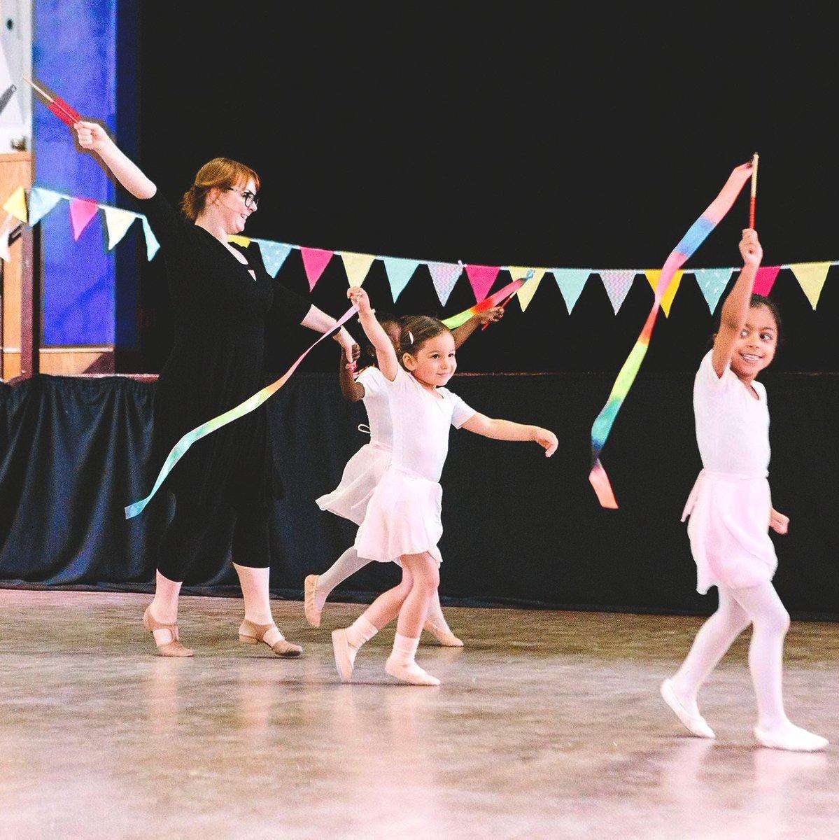 Rainbow is our favorite colour!   Whats yours?  #balletclass #ballet #ballerina #ribbons #rainbows #tippytoes #primaryballet #radballetclasses #radteacher #balletexams #kidsdanceclasses #streatham #norbury #brixton #sw2 #sw16pic.twitter.com/qKg3hQaTqT