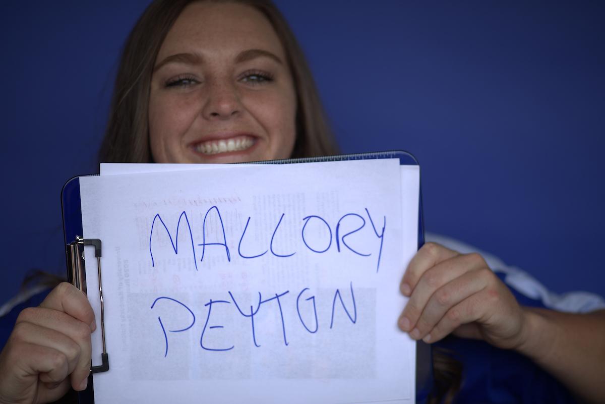 GRAND SLAM MALLORY PEYTON!!  Cats ➡ Lead ➡ 5-4 https://t.co/8sVECiCvTj