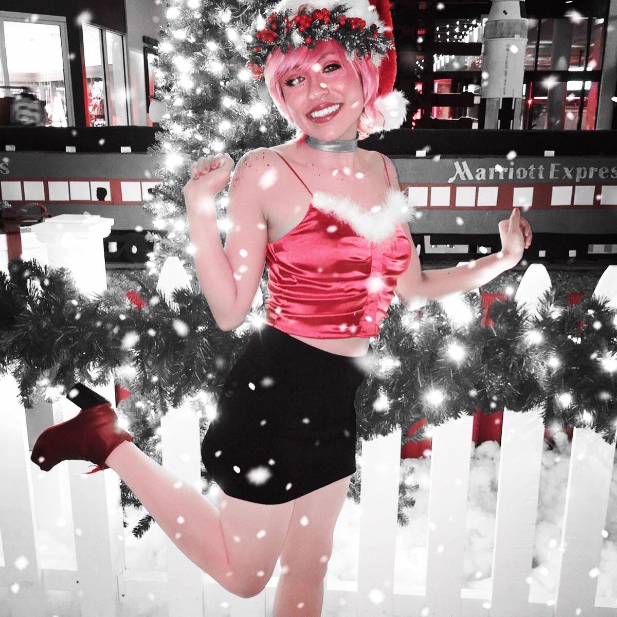 adorable new character to me persephone from the webcomic lore olympus . . . . . . .#holidaymatsuri #holmat #holidaymatsuri2019 #loreolympus #persephone #holmat2019 #webtoon #webcomic #webtoons #cosplay #cosplayvixen #conlife #concrunch #mylifeisdopesoidodopeshitpic.twitter.com/LUlZVys7Ku
