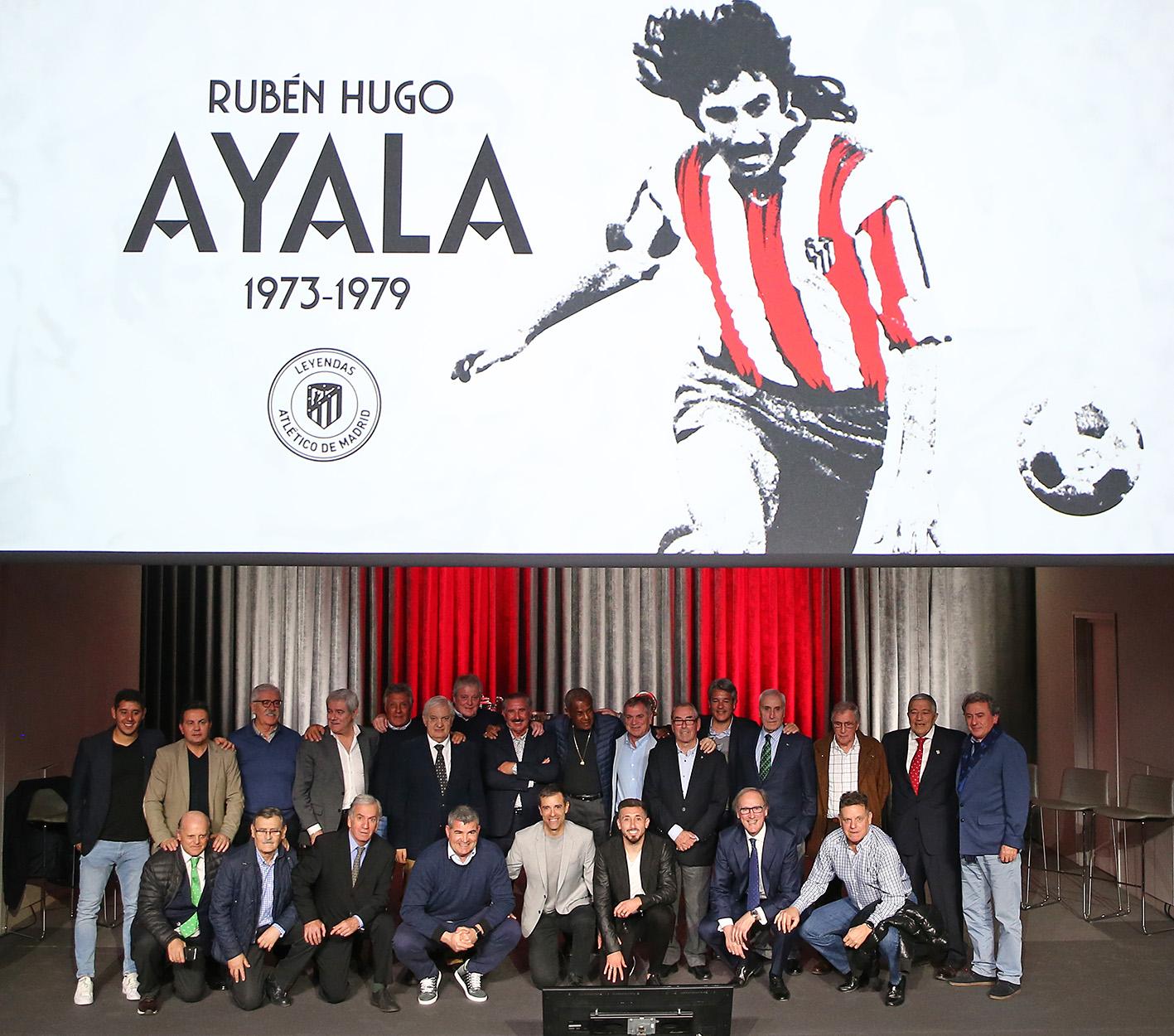 Rubén 'Ratón' Ayala, acompañado en el Metropolitano de otras leyendas (Foto: ATM).