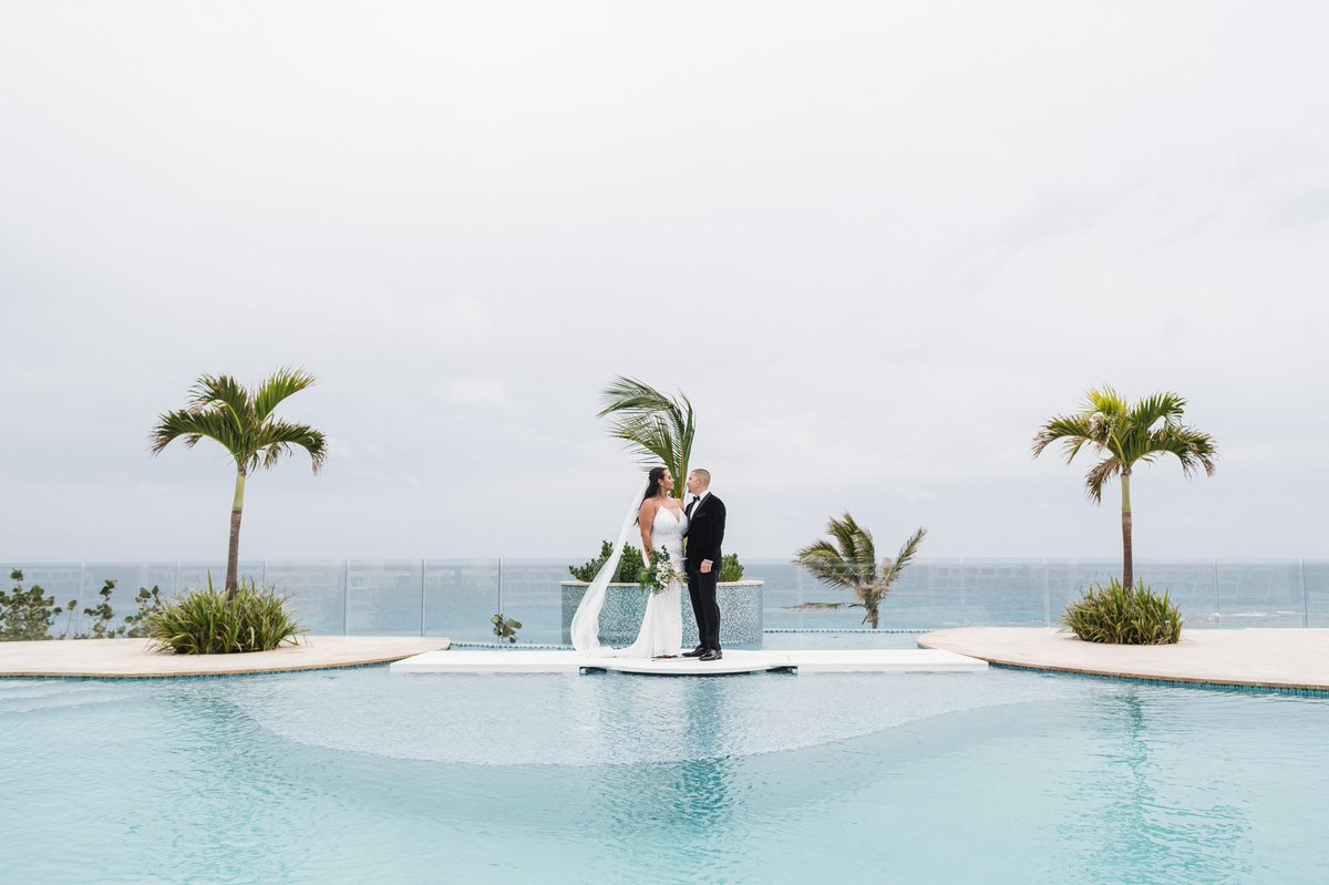 Sophie & Bryan #weddingseason #wedding #destinationwedding #bermuda #bermudaweddings #destinationweddingplanner #ahhbermuda #outhere #bride #groom #beachwedding #flowers #love #weddingflowers #viewspic.twitter.com/k59YdCukhq