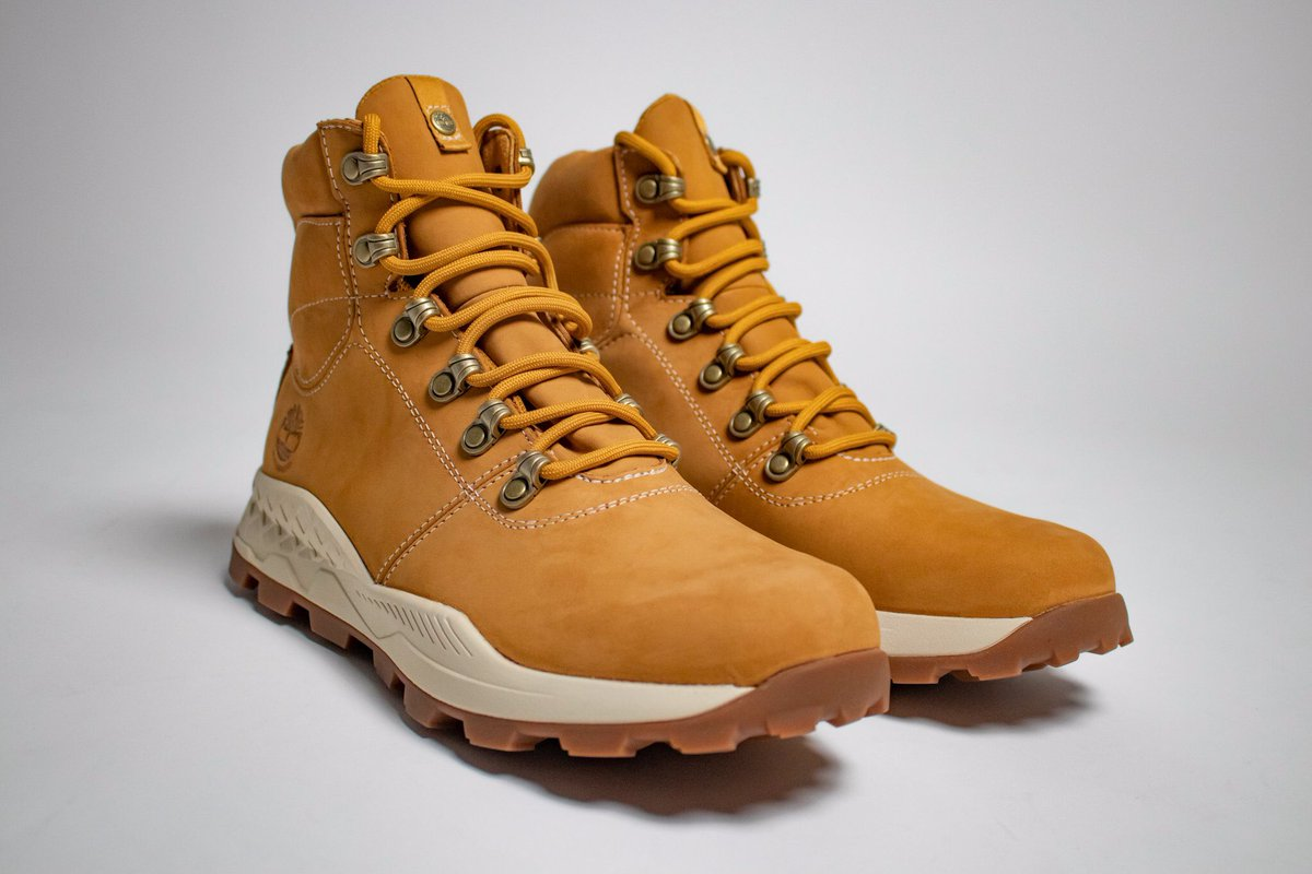 Men's Brooklyn Hiker  What's your favorite Timberland ?  #timberland #timberlandboots #timberlands #field #timberlandapparel #timberlandclothing #brandtimberland #clothingstore #fashion #hiker #nyc #waterproof  #photooftheday #brooklyn #leighacookphotography #streetgameusa