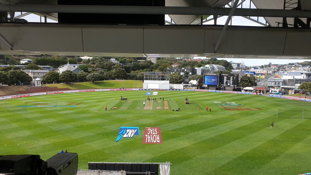 Hello and welcome to Day 2 of the 1st Test. It's bright and clear at the moment with a light wind. #NZvIND