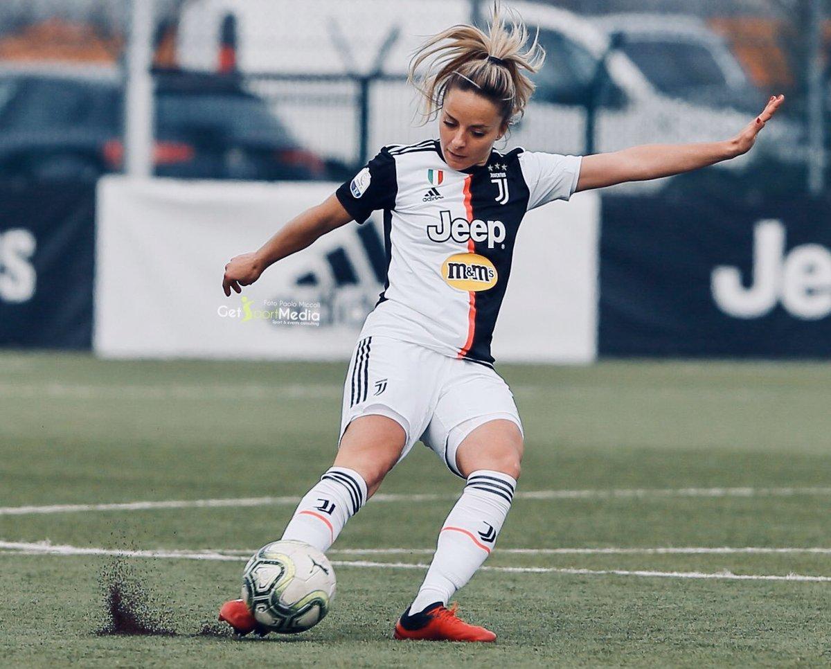 "PUSH ON 🔥🔥🔥 #VeronaJuventus ⚪️⚫️ 🕝 Domani ore 14.30  📍""Olivieri Stadium"", Via Sogare- Verona 📺 Diretta @TIM_vision e @JuventusTV  #Together #MR8🎱"
