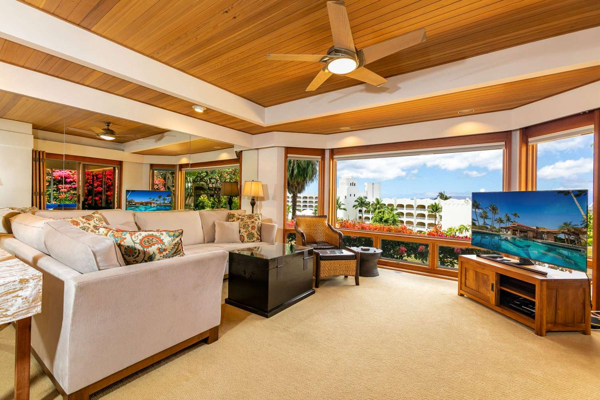 Given any thought about where the best place to stay in Maui for your #Hawaii #vacation? If you need help getting started, this #Wailea #condoforrent is an ideal place to spend any Hawaiian escape👇