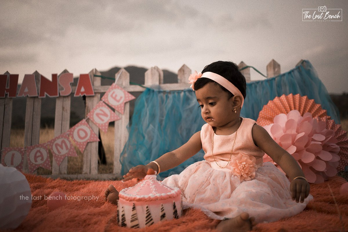 #Baby #Hansaa_Nourin  #Cake_Smash  For booking call : +91 7418582616  Mail us : thelastbenchfotography@gmail.com  #The_Last_Bench_Fotography  #birthdayshoots #birthdaygirl #birthdaycake #birthdayparty #cakesmashphotography #cakesmash #firstbirthdayparty #littleprincess #babydollpic.twitter.com/4UFc51MGNM