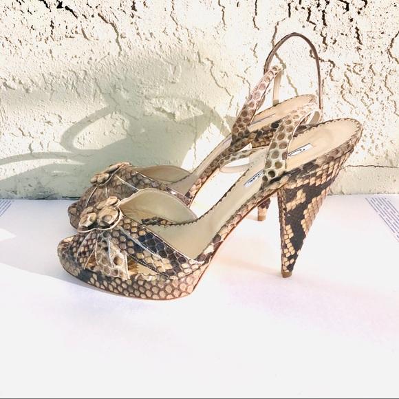 So good I had to share! Check out all the items I'm loving on @Poshmarkapp from @_BrittanyMorgan #poshmark #fashion #style #shopmycloset #oscardelarenta #michaelkors #christianlouboutin: