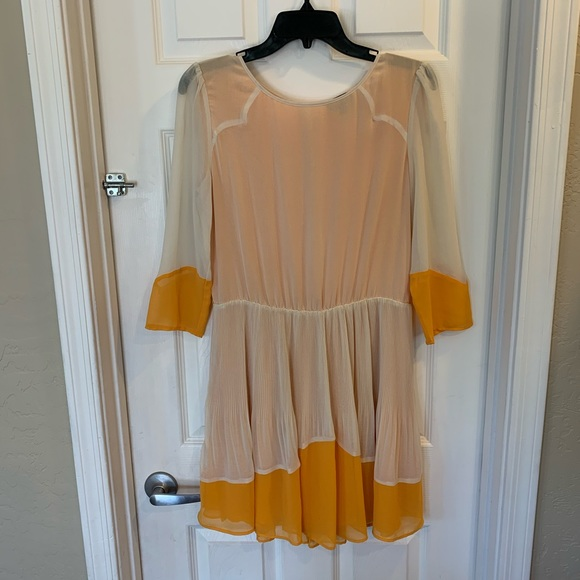 So good I had to share! Check out all the items I'm loving on @Poshmarkapp #poshmark #fashion #style #shopmycloset #topshop #vincecamuto: