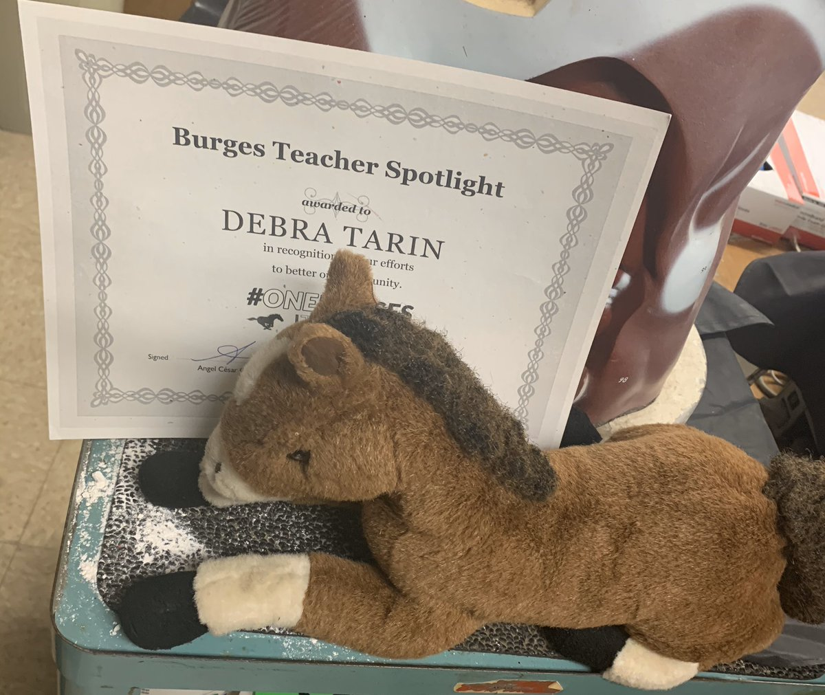Mustang O'Malley from @BurgesMustang likes to hang out with the best teachers in town! Thanks Ms. Tarin for teaching our students about Forensics and A&P! @ELPASO_ISD @EarlyBECHS #ONEBURGES #HighSchoolTeam #ElPasoStrong