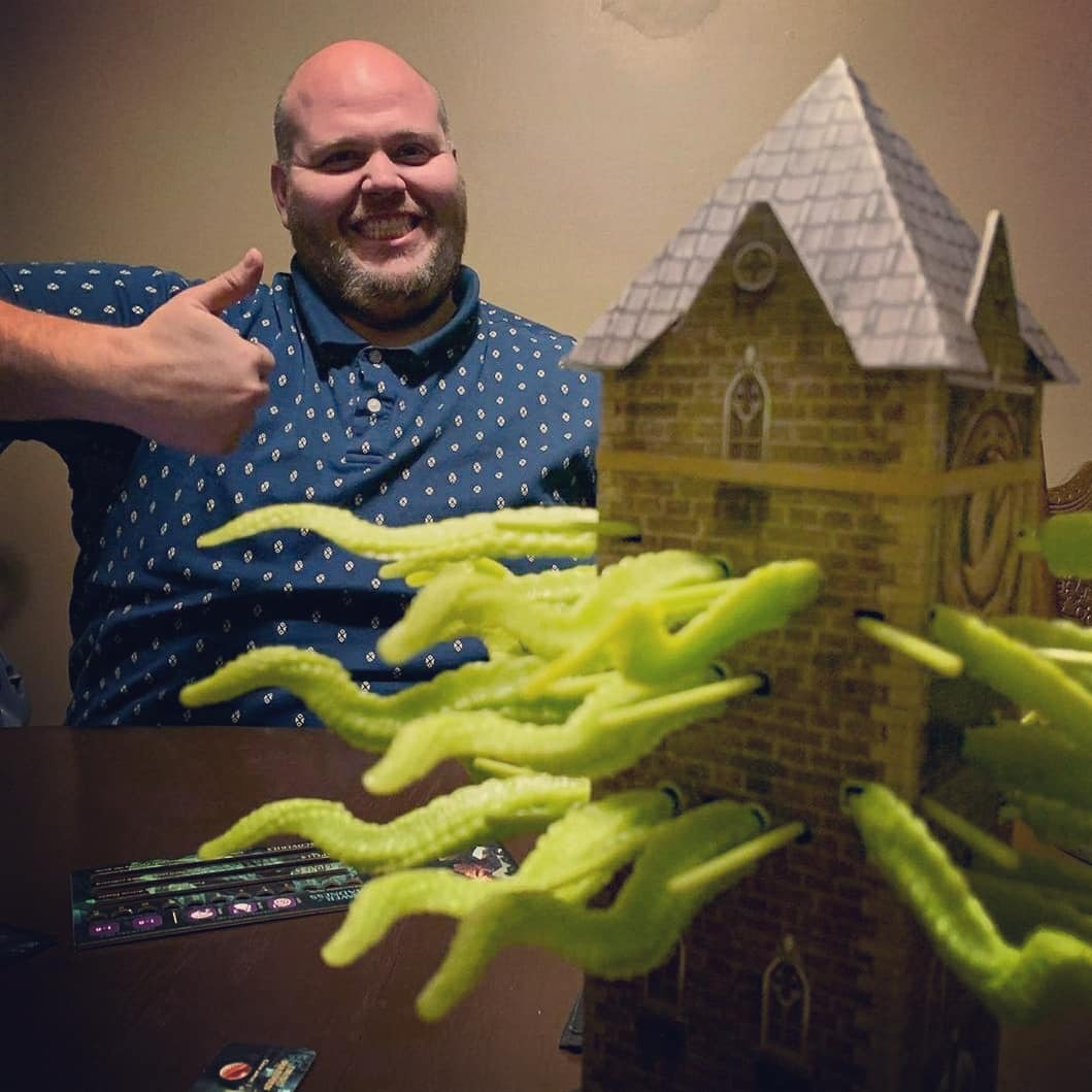 Today's awesome #FanFriday comes from @dakrimmer!!! Such good pics of #TowerofMadness  Gotta Love that Smile!   #fanphotos #fanfridays #fanpics #thankstothefans #boardgamesofinstagram #boardgames #boardgame #cthulhu #Lovecraftianpic.twitter.com/O0aFS8A06S