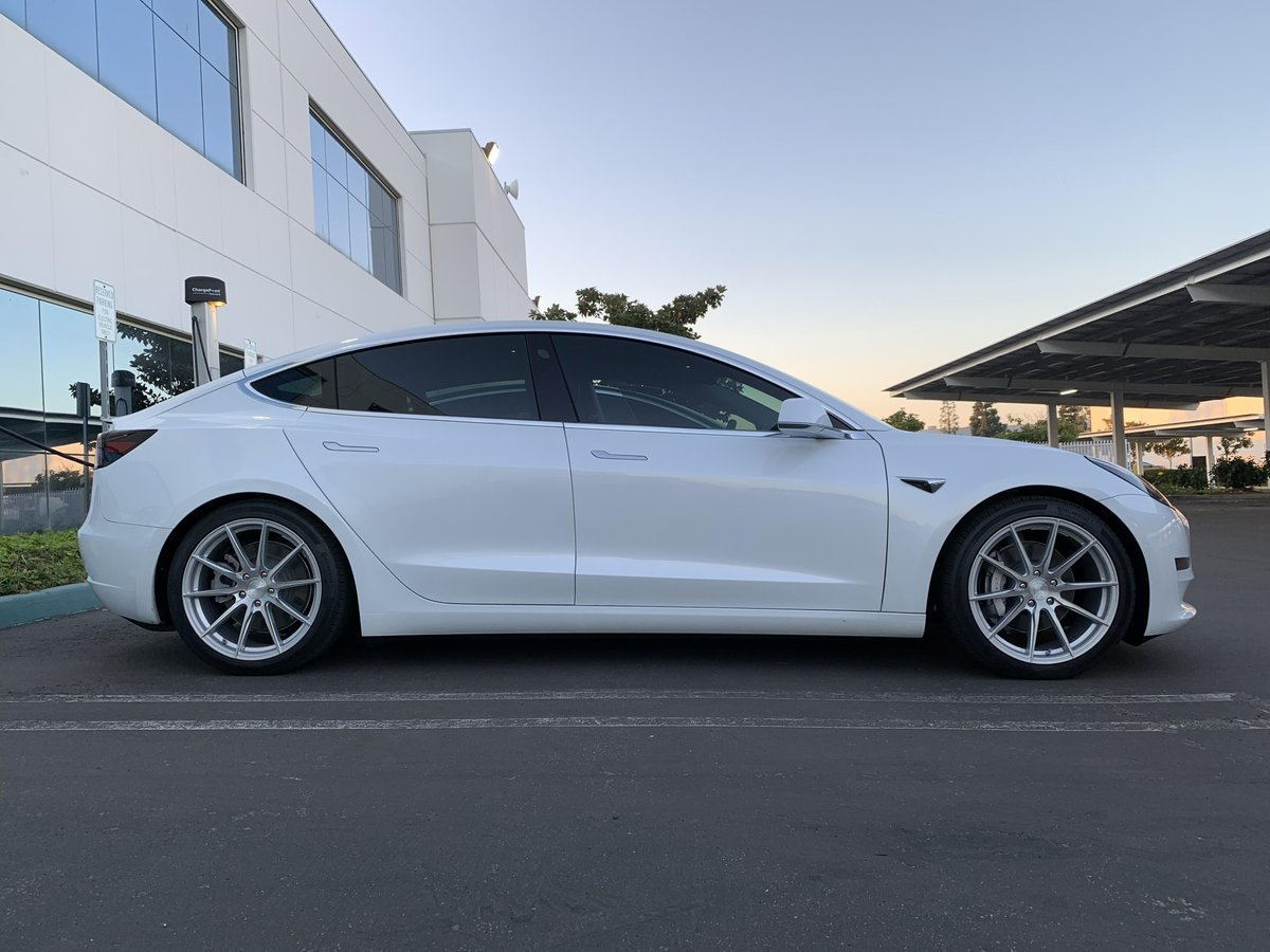 MPP customer Tran with their freshly dropped Model 3 running MPP Comfort AWD Coilovers. Have a great weekend! #mountainpassperformance #lowered #suspension #tesla #model3 #model3performance #bestcolor #coiloverspic.twitter.com/j7yiCM8PUq