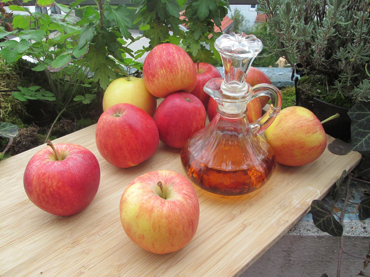 test Twitter Media - Apple Cider Vinegar contains acetic acid, which 2 tbsp. has been shown to delay gastric emptying, slows the release of sugar into the bloodstream + lowers insulin  = appetite control, weight loss & balanced blood sugar.  #hunger #weightloss #diabetes #health https://t.co/kcyhpgyh60