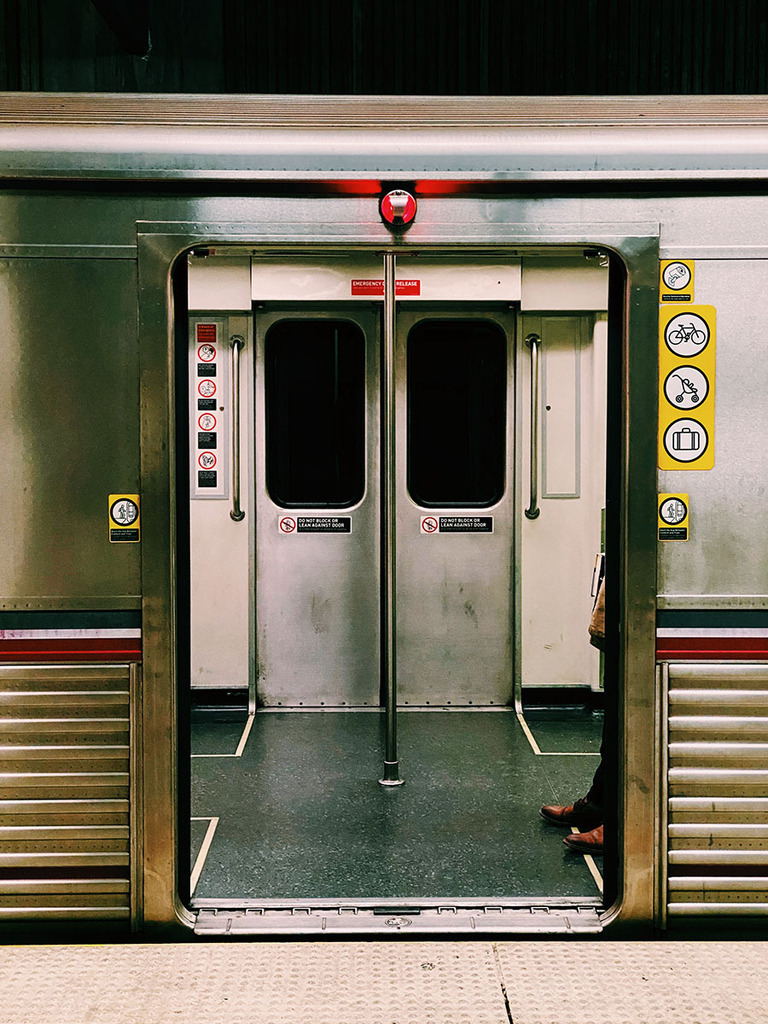 Documenting my weekly commute.  #shotoniphone #losangeles #gometro #vsco