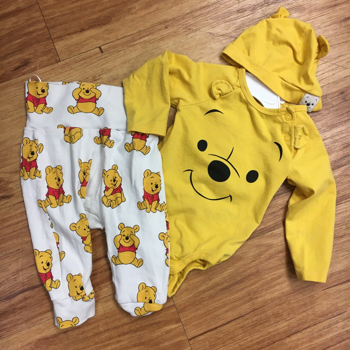 Set 3-6 months $5.50    # SAVEMORE @OuacCentennial #Newborn #Baby #Babies #Boys #Girls #Shoes #toddler #Consignment #GentlyUsed #Youth #Kids  #Tween #Infants #Clothing #Toys #Books #KidsClothes #BabyGear #BabyEquipment #ColoradoKids #buykidsclothes #sellkidsclothes