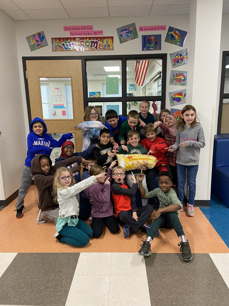 Our class collected over $54.00 for a local charity, 4 Luv of Dog Rescue, last week! We got popcorn from Ms. Shari for raising the most money for grade 2! #givingheartsday #thankyoumsshari @sgrspuds @MoorheadSchools
