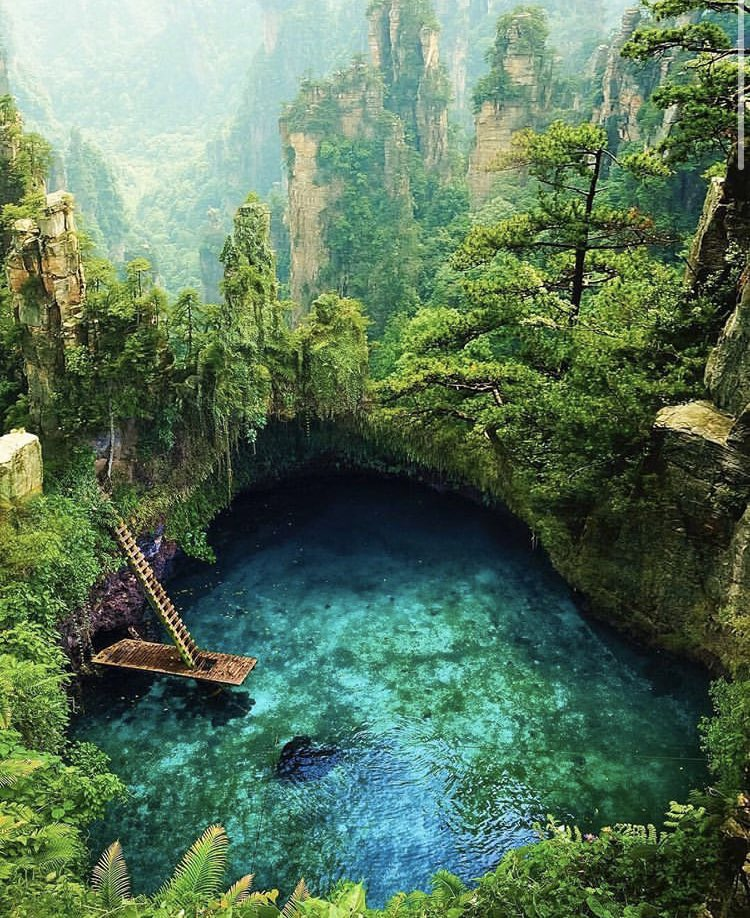 To Sua Ocean trench located in Upolu Island @gatgo_travel for more great content 🌷🌷 . . 🌷✨✨✨ goes to: @destination #travel #china #samao #sunnyday🌞 #trips #nature