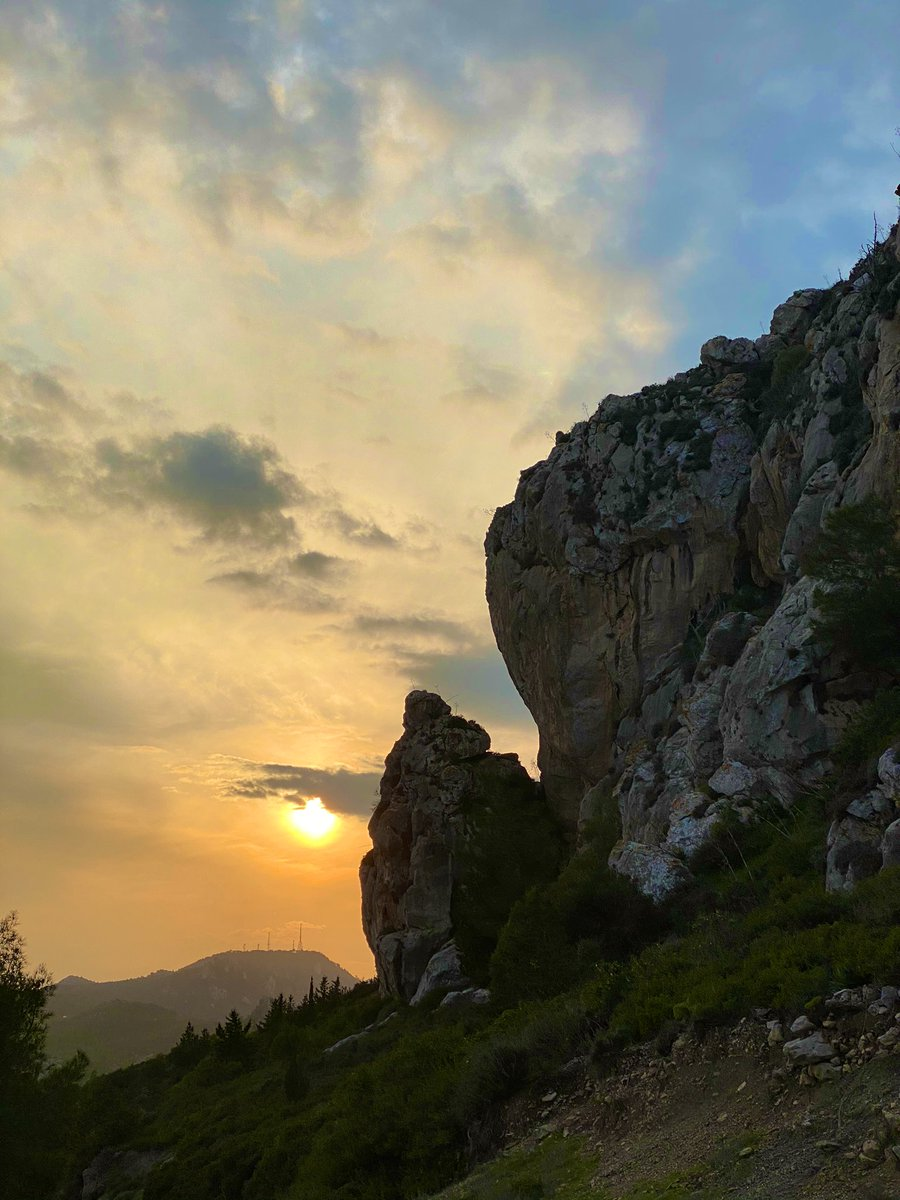 My favourite time of the day 🧡  #Cyprus #travel #travelphotography #sunset #mountains #kantara #landscape #photography #naturelovers #naturalbeauty