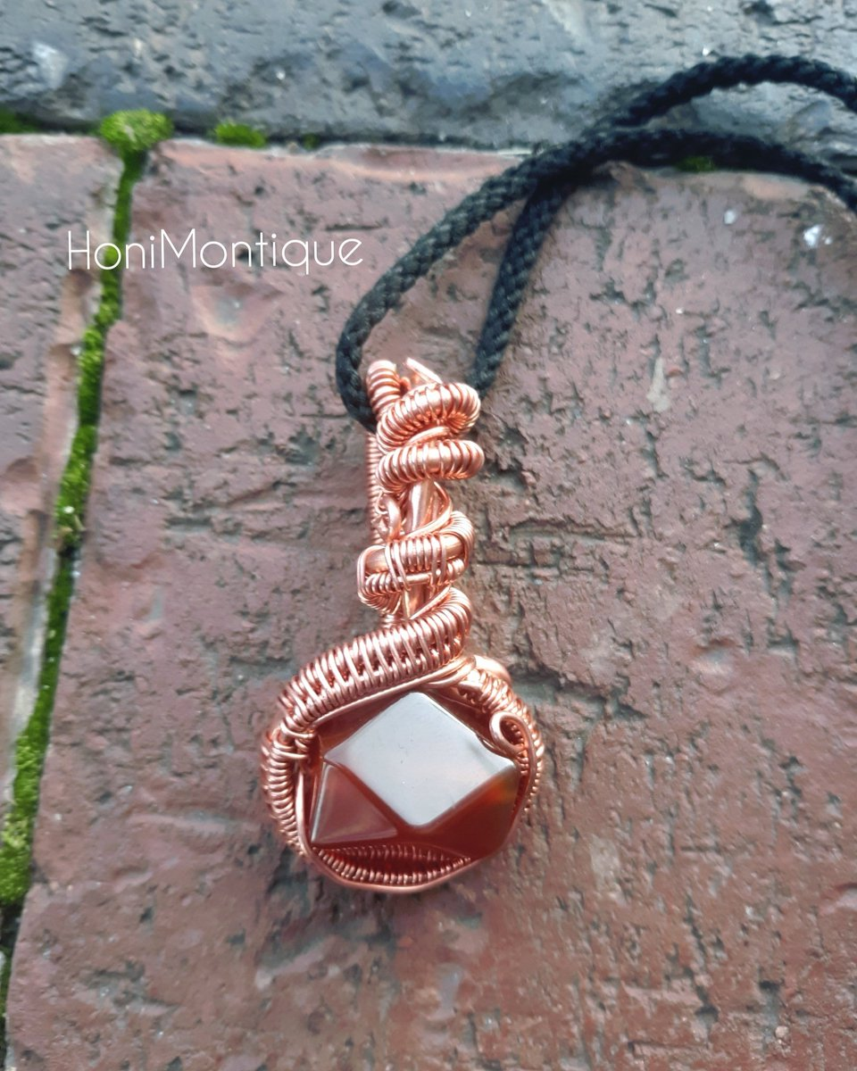 The #lovely #carnelian ...... Small and  Unique #carnelianpendant   #uniquependants #pendants #crystalpendants #gemstonependant #copperpendants  #handmadejewelry #artistic #photooftheday📷 #photooftheday #jewelryoftheday #saleoftheday #dopepics #crystals #crystalshop  #gemstone