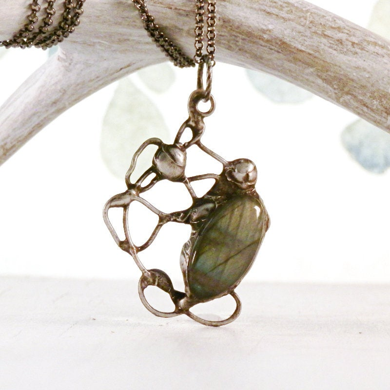 Labradorite necklace, blue gold, boho necklace, freeform pendant, healing stones, artisan necklace, statement pendant, gifts for her, flash  #handmadejewelry #handmade #bohochic #realflower #terrarium #boho #gypsy #GiftsForHer