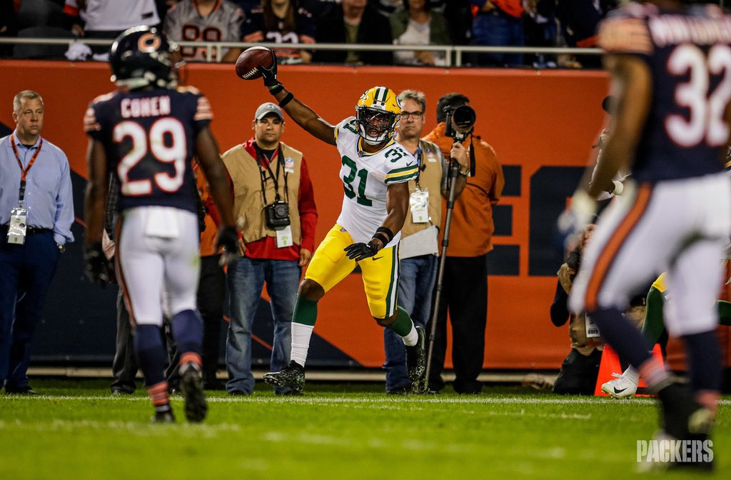 16 games started, 87 total tackles & 2 INTs.  Take a look back at @_SmashAmos31's first season with the #Packers :  https:// pckrs.com/xhtl9      #GoPackGo <br>http://pic.twitter.com/YXWQKZ2Lpe