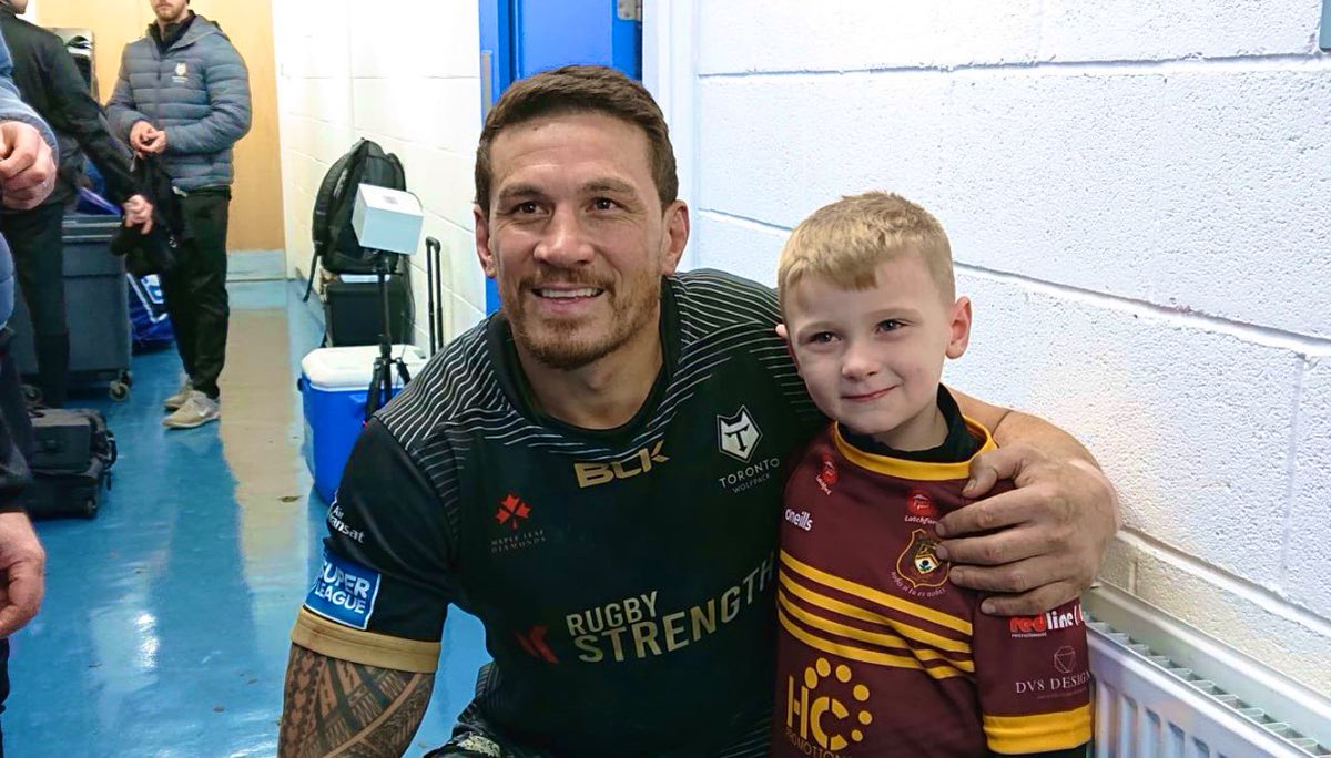 Meeting young SonnyBill definitely made my night. Good luck young man. Blessings to you & your lovely family. Thanks @WarringtonRLFC for making this happen <br>http://pic.twitter.com/5OOKbGvXmC
