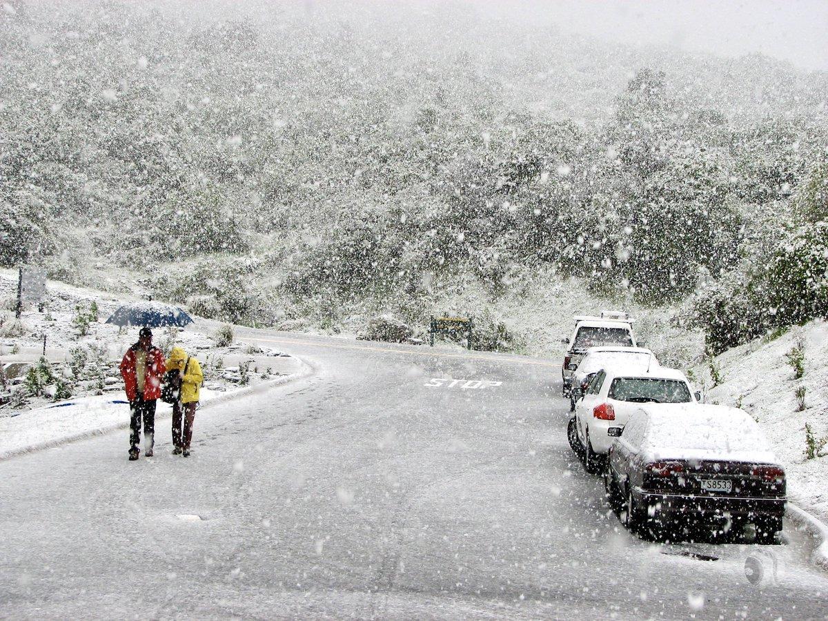 The Hermitage, Mount Cook, New ZealandDecember 2008#Snow #Winter #Ice #Road #Mountain #Snowing #TheHermitage #MountCook #NewZealand #UrbanScene #streetphotography #streets #streetphotos