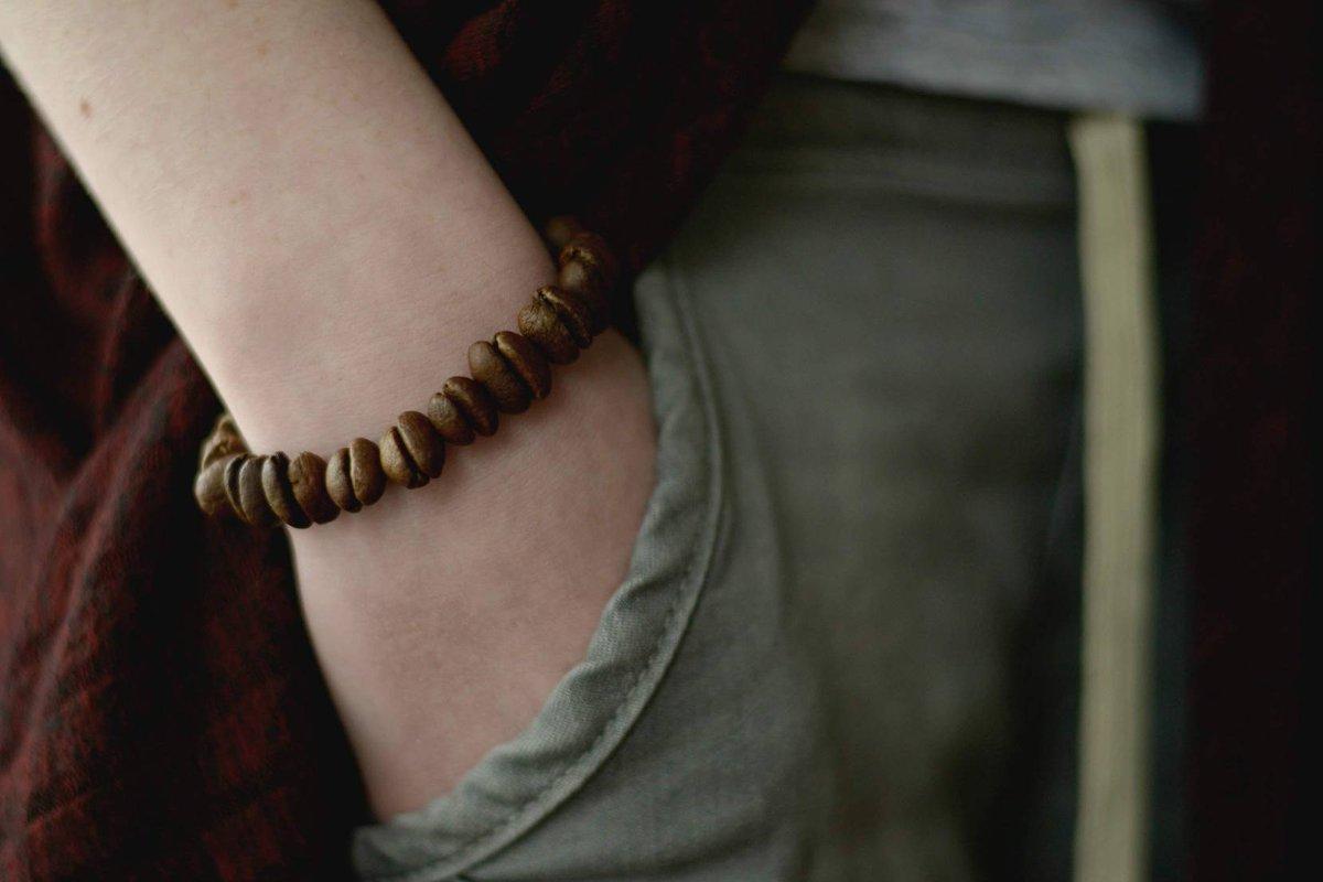 String of beans . . #etsyseller #handmadejewelry #smallbusiness #kchandmade #coffeelover #baristalife #coffeebeans #bracelet
