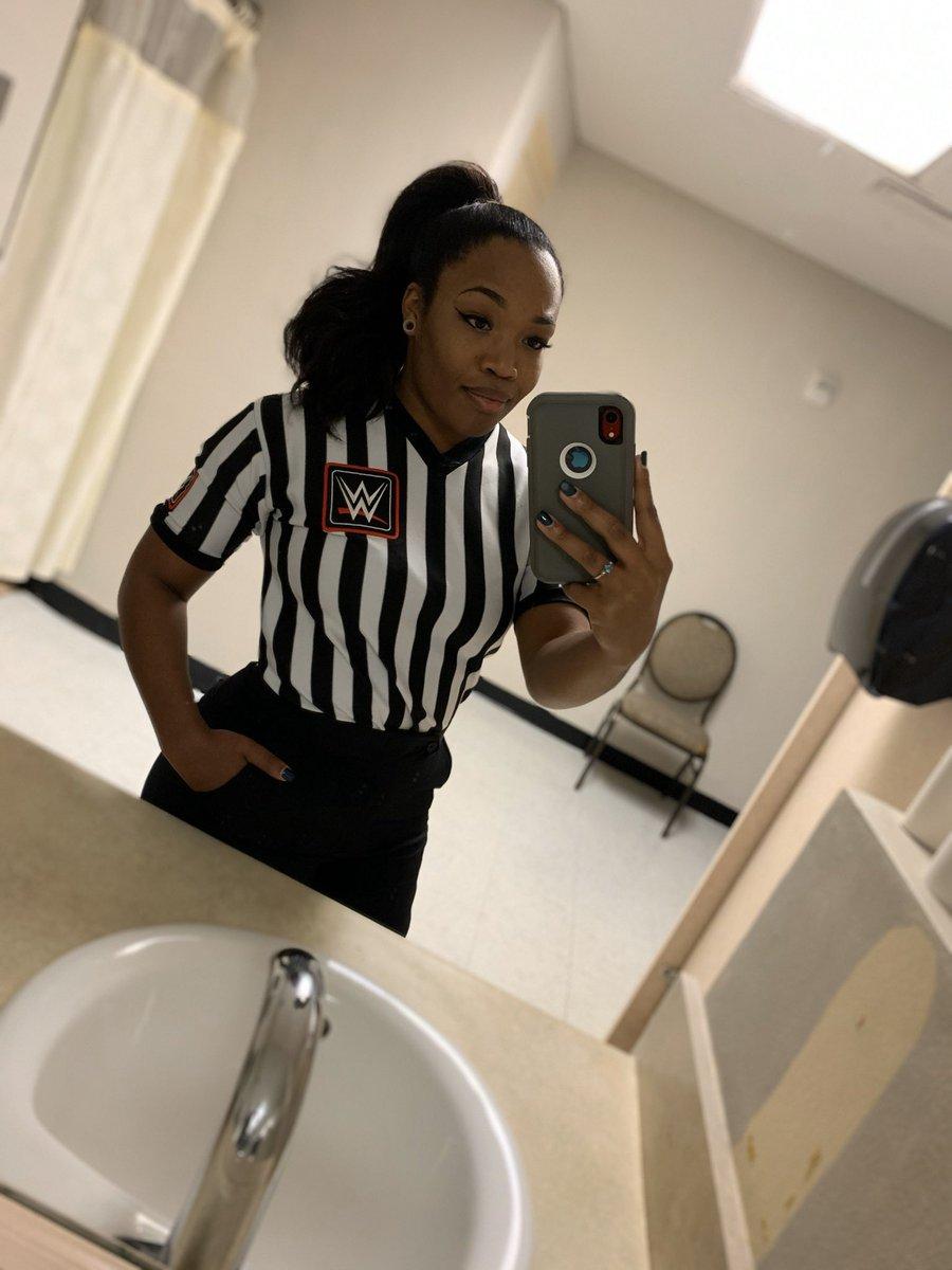 First match  #nxtocala #BeTheChange#BlackGirlMagic <br>http://pic.twitter.com/FCQf4KMVnv