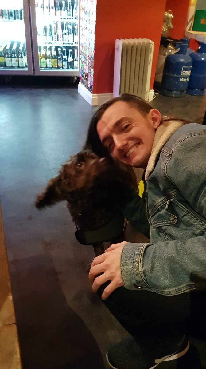 Doggy in the pubby!  #Doggo #Dog #Pub