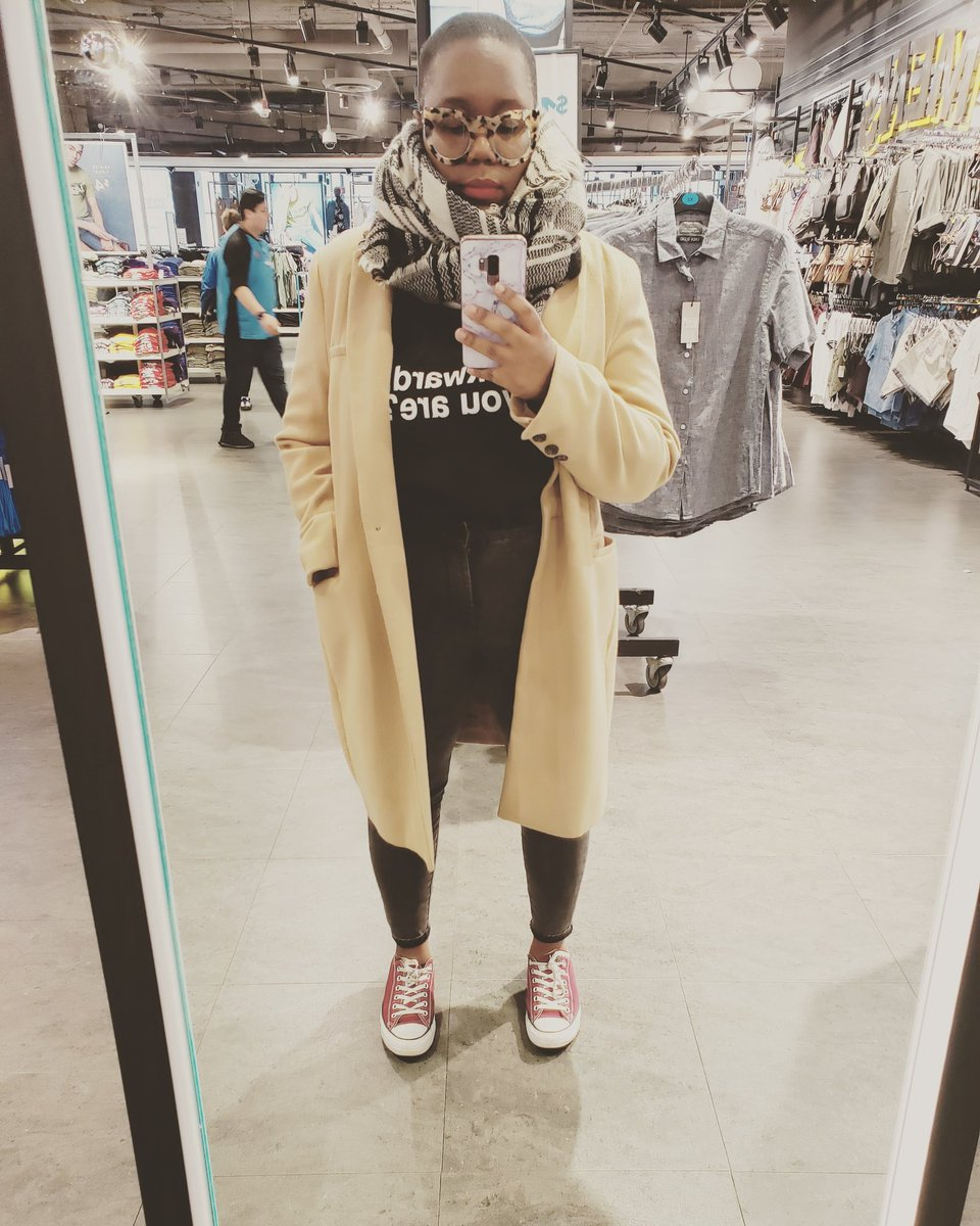 Today, I decided to showcase my #streetstyle today while I was doing my errands.  #stylist #freelancestylist #fashionblogger #primark #creativeentrepreneur #entrepreneurlife #entrepreneur #fashioncreative #art #blackbeautypic.twitter.com/mqYHOvWUdo