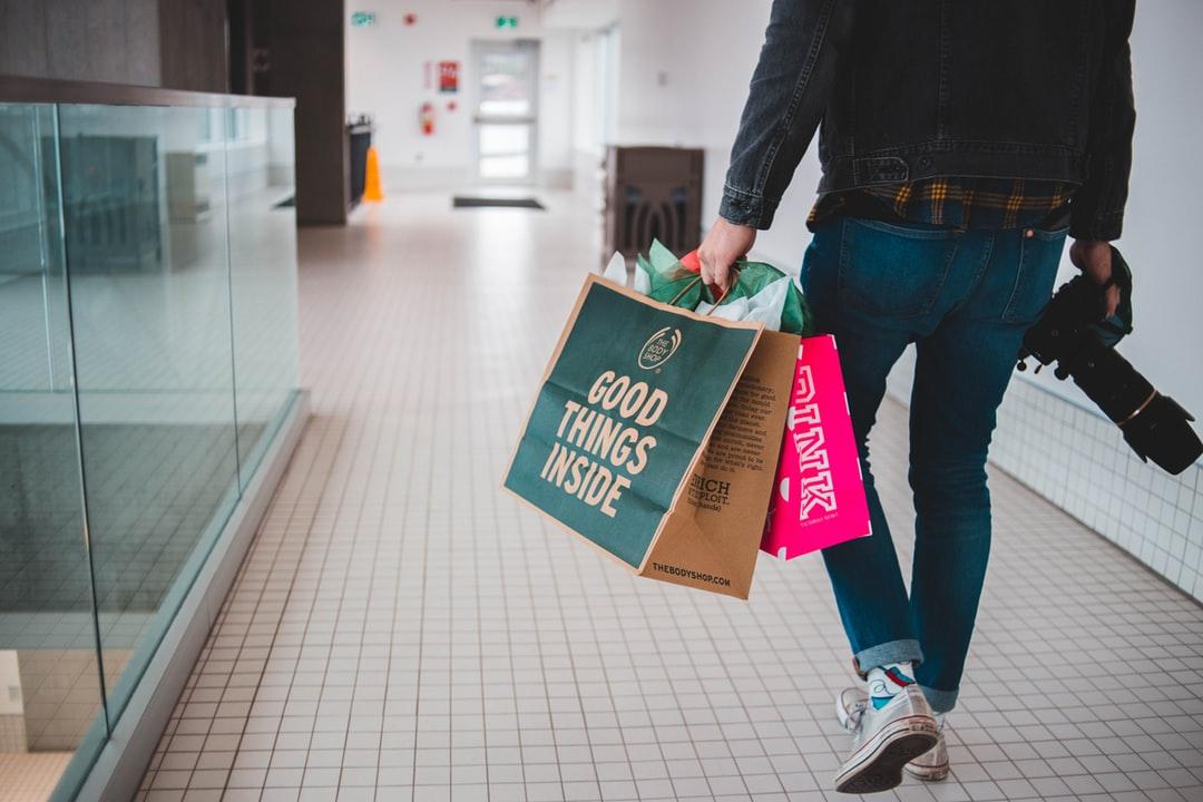 Hoy es viernes y el cuerpo lo sabe!!! ❤️ shopping     #Merchandise  #ShoppingExperience  #love  #Technology  #Electronics  #Gadget