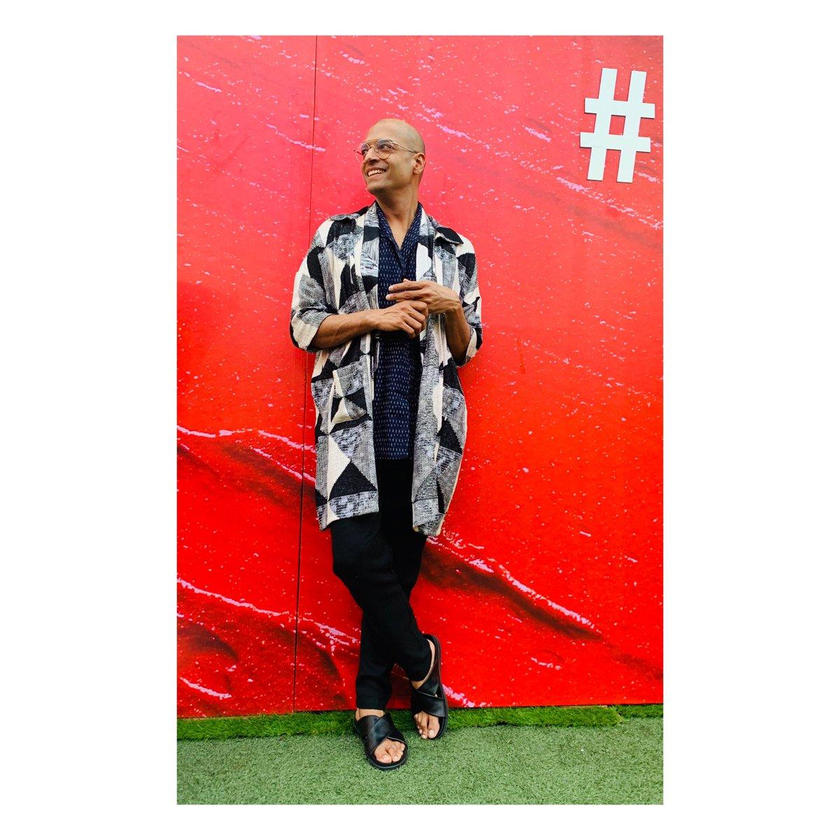 #mrgaba at #lakmefashionweek2020  day 3 #ValentinesDay2020 in #Yavi ensemble with @clarksshoes sandals. #menswear #Mensfashion #mensstyle #ootdfashion #ootdstyle #OOTDGoals #Throwbackpic.twitter.com/b1ZcbEGl0x