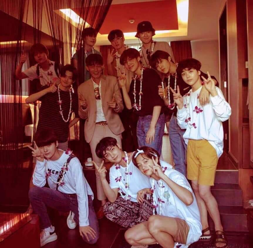RETWEET IF YOU      really        really        really      really  really    really      really        really        really      really    really  really WANT X1 TO REBOOT. @x1official101 #GoAllOutForX1 #ParadeForX1Unit <br>http://pic.twitter.com/kM315EhqR0<br>http://pic.twitter.com/ZcsQk1Easg