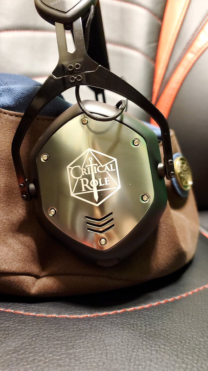 New #vmoda headphones and a new #CriticalRole dice bag makes for a very happy DM. Huge thanks to @LauraBaileyVO for forcing me to kick my dice hoarding game up and to @matthewmercer for creating and sharing his gift with the world! #Critters #dicecollectionpic.twitter.com/3qkH3qIKbr