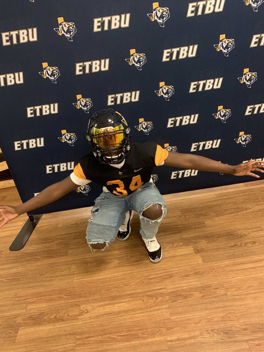 I'm Blessed That I Was Able To Go On My First Visit Today And Blessed To Received My 6th Offer From ETBU  thanks coach @jcollins9413<br>http://pic.twitter.com/Vf1CJdS3Ke