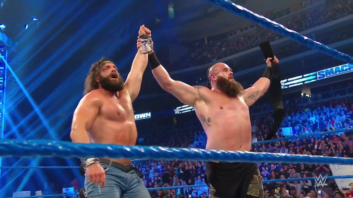 WHAT. A. MATCH. #SmackDown @BraunStrowman @IAmEliasWWE