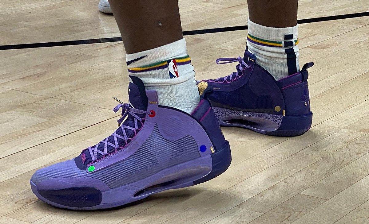 Zion Williamson warms up in a new Jordan XXX4 in Portland! #NBAKicks