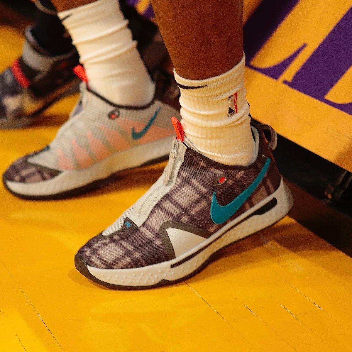 👟 @JaMorant in the Nike PG 4 pregame in LA! #NBAKicks