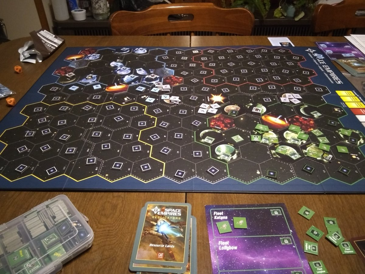 The conclusion to a 5 day long game of Space Empires 4x (due to limited time each night). @tiffyjayne blue diplomats took down my green shape shifters. #spaceempires4x #spaceforce #boardgamesofinstagram #tabletopgames #wargames #strategygames #gmtgamespic.twitter.com/Un8RZ7jBLD
